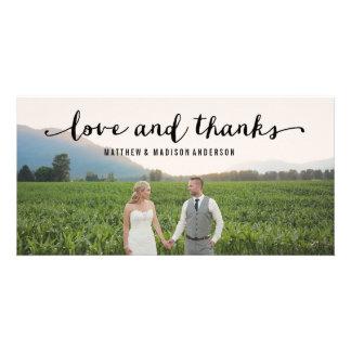 La mano puso letras al | que se casaba para tarjetas fotográficas personalizadas