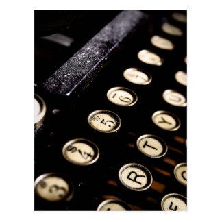 La máquina de escribir del vintage cierra la postales