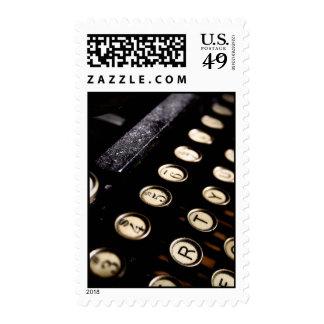 La máquina de escribir del vintage cierra sellos