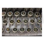 La máquina de escribir le agradece felicitaciones