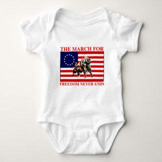 la marcha para la libertad nunca termina mameluco de bebé