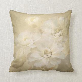 La marfil antigua florece almohada