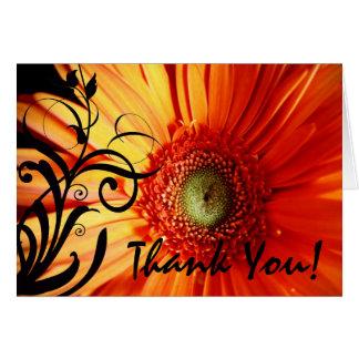 La margarita anaranjada le agradece tarjeta de felicitación