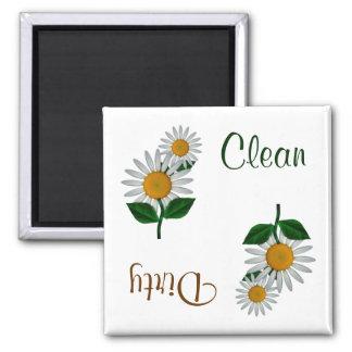 La margarita blanca florece el imán del lavaplatos