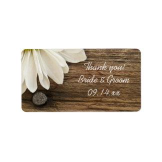 La margarita blanca y el boda de madera del etiqueta de dirección