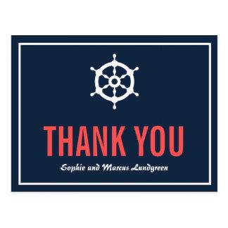 La marina de guerra y el timón náutico coralino le postales