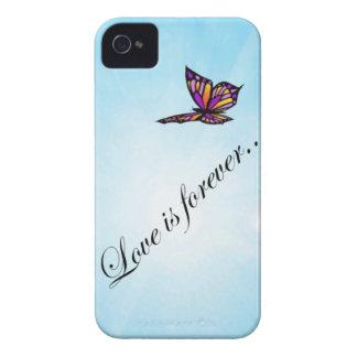 "La mariposa ""AMOR es Forever "" Case-Mate iPhone 4 Coberturas"