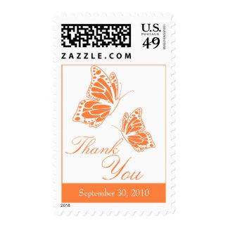 La mariposa anaranjada simple le agradece franqueo