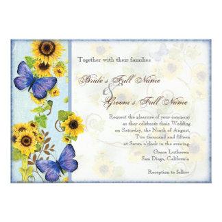 La mariposa azul del marco floral del remolino del