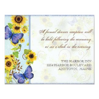 La mariposa azul del marco floral del remolino del anuncio