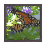 La mariposa de monarca en púrpura florece Giftbox Caja De Joyas De Calidad
