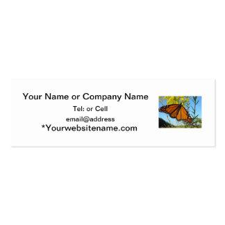 La mariposa de monarca separa sus alas tarjetas de visita mini