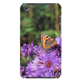 La mariposa en púrpura florece la caja de iPod iPod Touch Case-Mate Carcasa