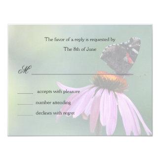 La mariposa responde las tarjetas anuncios