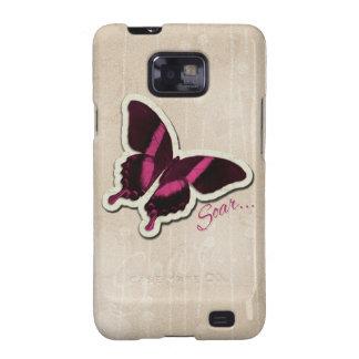 La mariposa rosada se eleva en fondo beige galaxy s2 funda