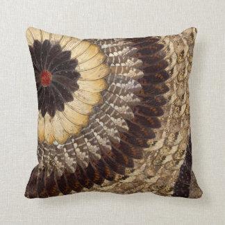 La mariposa tribal africana se va volando el model cojines