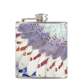 La mariposa tribal púrpura se va volando el modelo