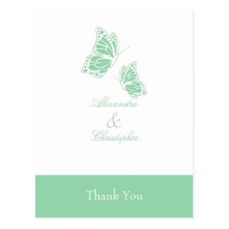 La mariposa verde simple le agradece postal