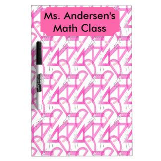 La matemáticas rosada de los profesores equipa al pizarras blancas