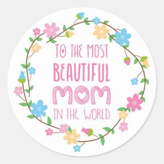 La mayoría de la mamá hermosa en el rosa del mundo pegatina redonda