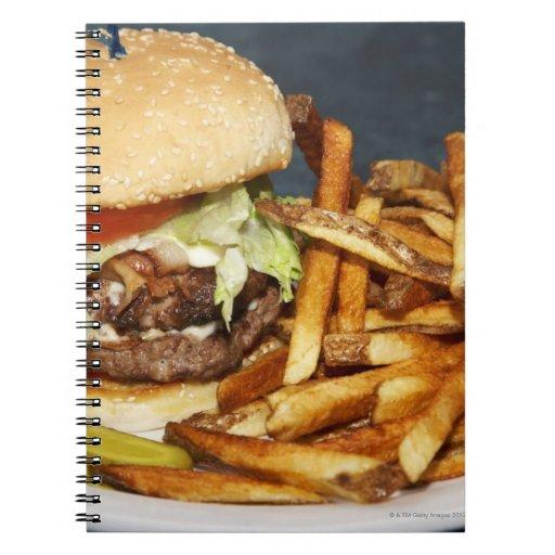 la media hamburguesa doble grande de la libra fríe libros de apuntes con espiral