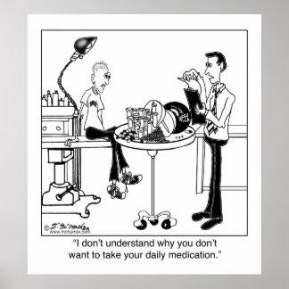 La medicación diaria es tamaño de una bola de bolo posters