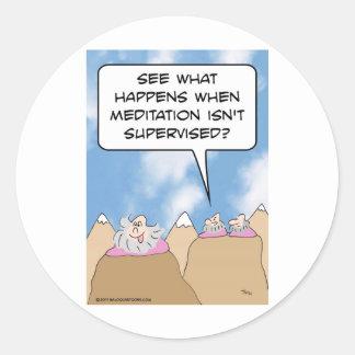 la meditación de los gurúes no se supervisa pegatina redonda