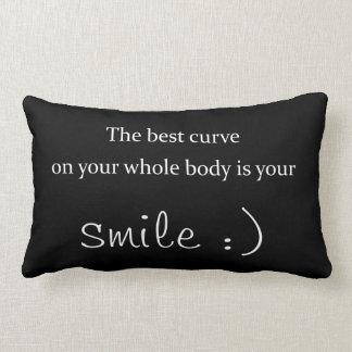 la mejor curva en su cuerpo entero es su sonrisa almohada