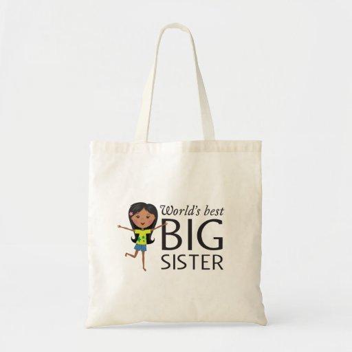 La mejor hermana grande con la bolsa de asas feliz