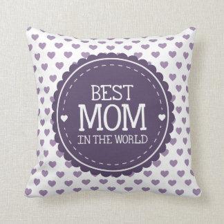 La mejor mamá en los corazones y el círculo cojín