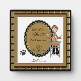 La mejor placa de la hembra del Groomer del mascot