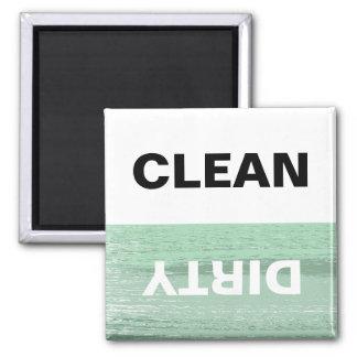 La menta y blancos limpian/lavaplatos sucio imán cuadrado