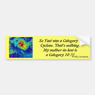 La milipulgada es un ciclón del gato 10 etiqueta de parachoque