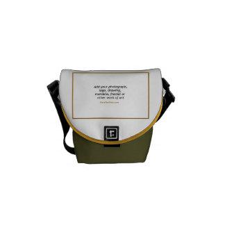 La mini bolsa de mensajero cero del carrito con su bolsa messenger