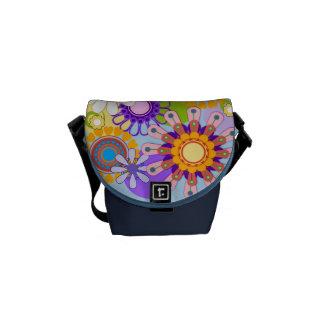 La mini bolsa de mensajero de las flores retras de bolsa messenger