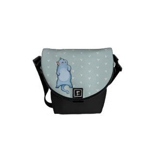 La mini bolsa de mensajero del gato de los corazon bolsas de mensajería