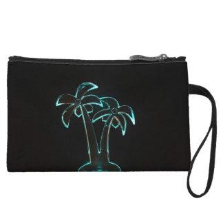 La mirada del Lit de neón encima de las palmeras