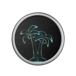 La mirada del Lit de neón encima de las palmeras Altavoz