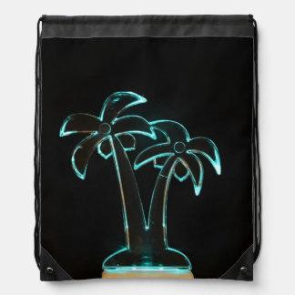 La mirada del Lit de neón encima de las palmeras Mochila