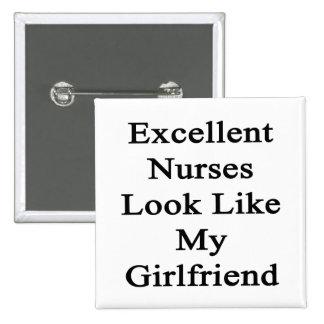La mirada excelente de las enfermeras tiene gusto  pin
