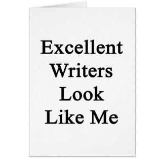 La mirada excelente de los escritores tiene gusto tarjetón