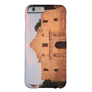 La misión de Álamo en el día moderno San Antonio, Funda Barely There iPhone 6