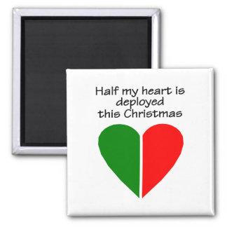 La mitad de mi corazón es este desplegado navidad imán cuadrado
