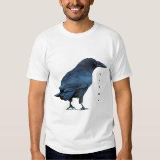La moda del cuervo de los hombres negros de la playera
