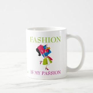 La moda es mi pasión taza básica blanca
