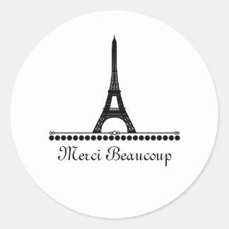 La moda parisiense le agradece los pegatinas, etiquetas redondas