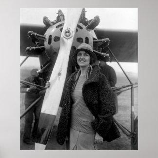 La moda resuelve la aviación, los años 20 posters