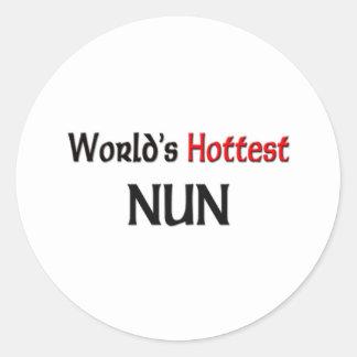 La monja más caliente de los mundos pegatina redonda