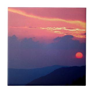 La montaña Mortons de Smokey de la puesta del sol  Azulejos Cerámicos
