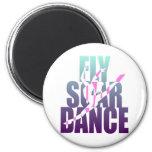 La mosca se eleva danza imanes para frigoríficos